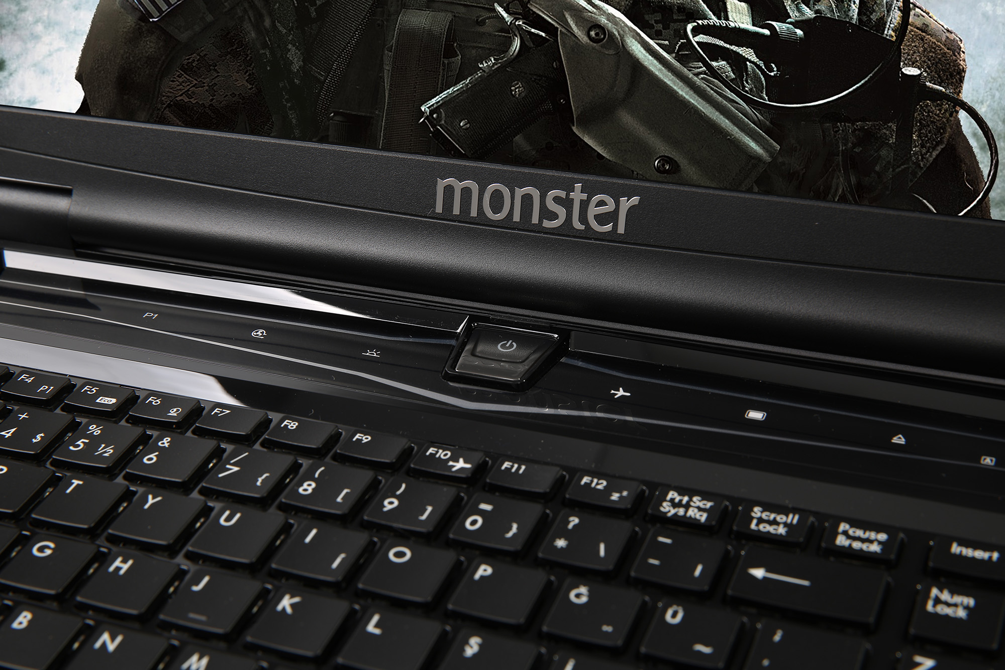 MONSTER® Q47MS-17633 17.3
